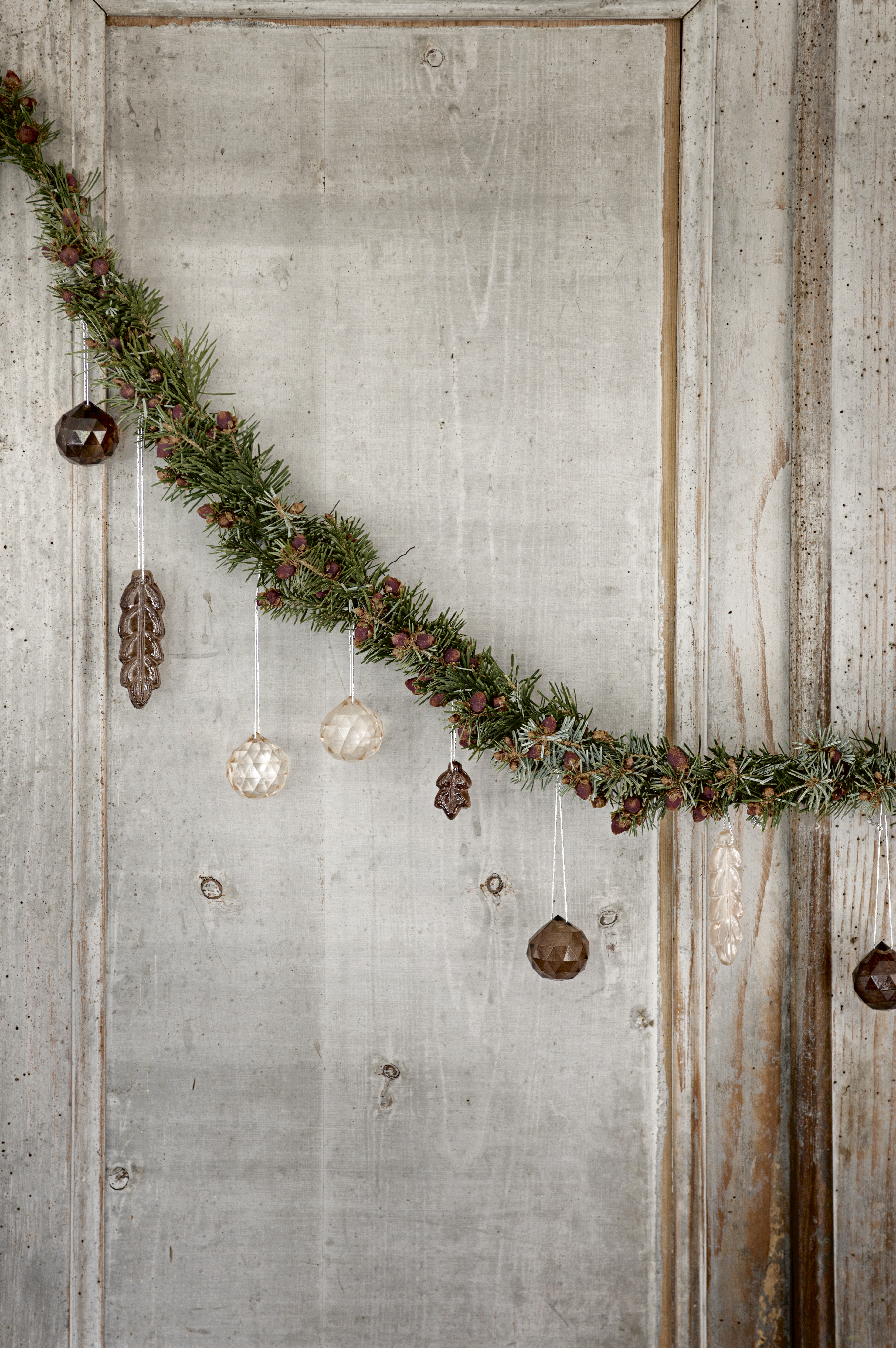 Decorate a Nordic Christmas tree | Tine K Home