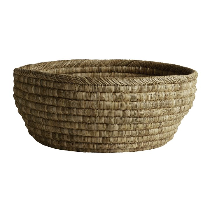 Large round floor basket in thick weave