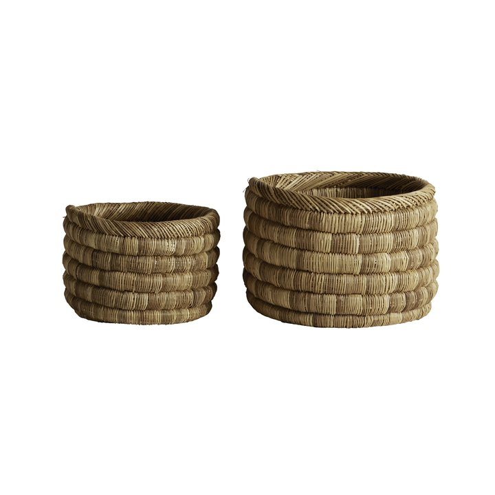 2 floor baskets in thick weave