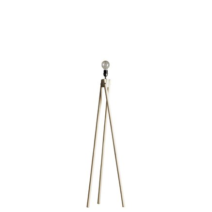 Floor lamp with three legs in rattan
