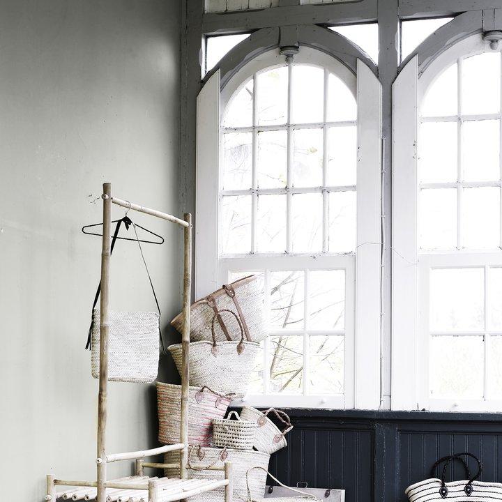 fritst ende bambus garderobe med mange funktioner produkter tine k home. Black Bedroom Furniture Sets. Home Design Ideas